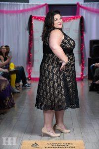 plus size model tishia lee curvy chic closet fall 2019 fashion show